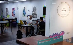 Office Life.SREDA VC Asia